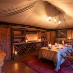 Wijn proeven - Mara Nyika Camp - Great Plains Conservation