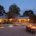 Diner onder sterrenhemel - Kwihala Camp - Asilia Camps & Lodges