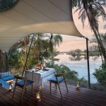 Dineren aan het water - Thorntree River Lodge - African Bush Camps